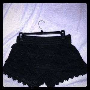 Pants - Black short size medium